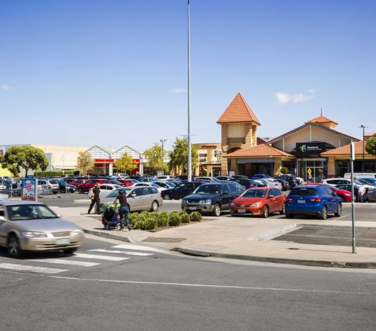 Brimbank Shopping Centre Corner Neale & Station Roads, Deer Park Victoria 3023